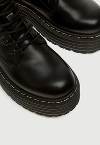 PULL&BEAR - Bottines à lacets - black - 5