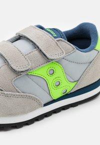 Saucony - JAZZ DOUBLE KIDS UNISEX - Baskets basses - grey/green/blue - 5