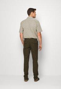 Lindbergh - PANTS - Trousers - army - 2