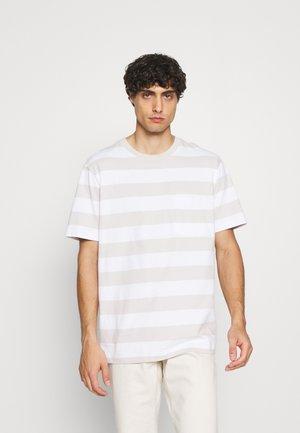 STRPE - Print T-shirt - fresh praline