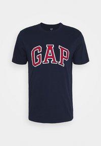 GAP - BAS ARCH - Print T-shirt - tapestry navy - 4