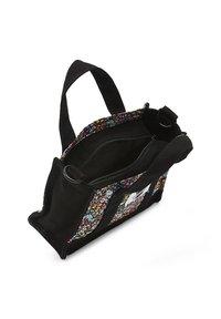 Vans - WM VANS MADE WITH LIBERTY FABRIC BAG - Handbag - (liberty fabric) black - 2