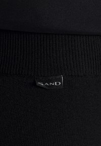 Sand Copenhagen - FELLINI DHARMA - Teplákové kalhoty - black - 5