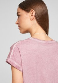 QS by s.Oliver - Print T-shirt - pink placed print - 4