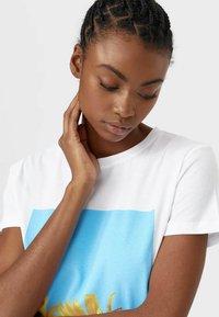 Stradivarius - Print T-shirt - white - 3