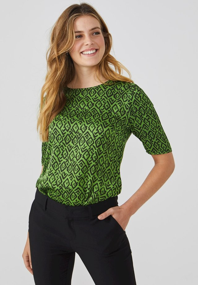 SHYNELLE GRAPHIC VIS 520 - Blouse - apple green