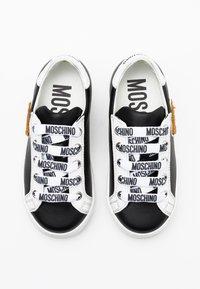 MOSCHINO - Sneaker low - black - 3