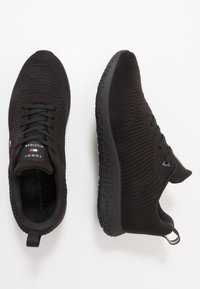 Tommy Hilfiger - CORPORATE RUNNER - Sneakers laag - black - 1