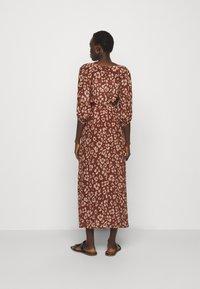 Lily & Lionel - KATHERINE DRESS - Denní šaty -  mahogony - 2