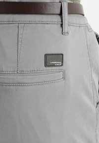 Lindbergh - CLASSIC WITH BELT - Chinos - silver - 5