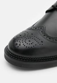HUGO - LUXITY - Šněrovací boty - black - 5