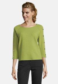 Betty Barclay - MIT KNOPFLEISTE - Sweatshirt - turtle green - 0