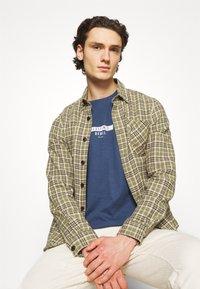 Redefined Rebel - GUTI TEE - Långärmad tröja - dark denim - 6
