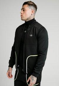 SIKSILK - Waistcoat - black & fluro white - 3