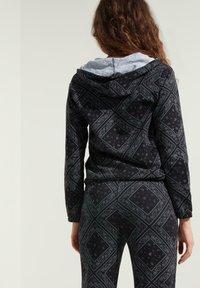 Tezenis - MIT REISSVERSCHLUSS UND TUNNELZUG - Zip-up hoodie - nero/grigio st.bandana - 1