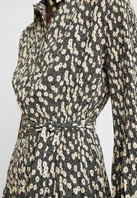 Selected Femme - SLFDITTE MIDI DRESS - Robe chemise - black - 6