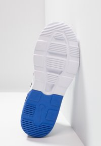 Nike Sportswear - AIR MAX MOTION 2  - Sneakers basse - black/game royal/white - 5