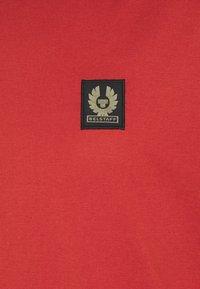 Belstaff - Basic T-shirt - red ochre - 2