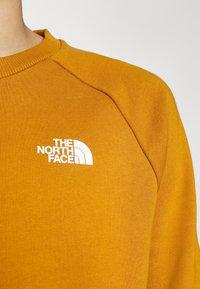 The North Face - RAGLAN  - Sweatshirt - timber tan/burnt olive green - 4