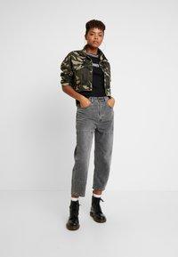 Ragged Jeans - GAIN TEE - T-shirt print - black/white - 1