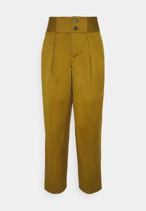 PHYLLIS - Spodnie materiałowe - golden brown