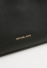 MICHAEL Michael Kors - RAVEN  - Handtas - black - 6