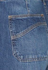 GAP - WIDE LEG VERNON VINTAGE DETAILS - Flared Jeans - medium indigo - 2