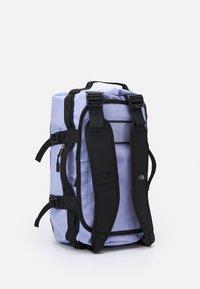 The North Face - BASE CAMP DUFFEL - XS - Torba sportowa - sweet lavender/black - 2