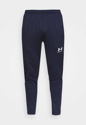 CHALLENGER TRAINING PANT - Pantalon de survêtement - midnight navy/white