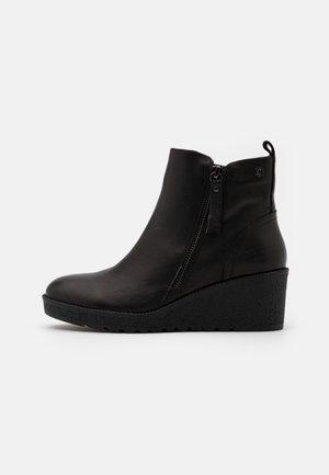 LADIES - Korte laarzen - black