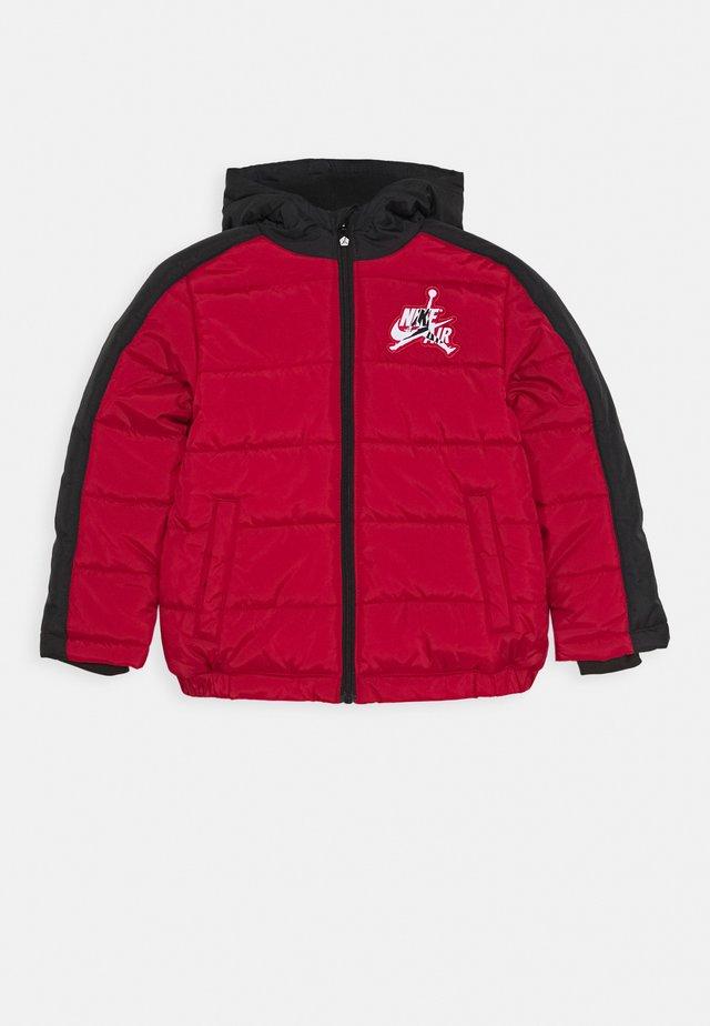 JUMPMAN CLASSIC PUFFER - Winter jacket - gym red