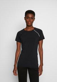 ONLY PLAY Tall - ONPPERFORMANCE RUN TEE TALL - Print T-shirt - black/red - 0