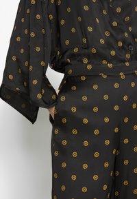 House of Dagmar - EBBA - Trousers - black print - 4