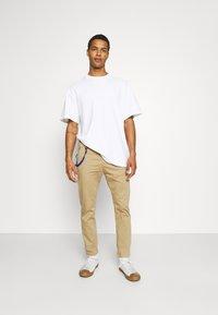 Replay - PANTS - Pantaloni - beige - 1