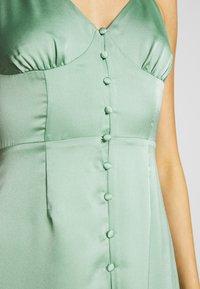Glamorous - SATIN BUTTON FRONT MIDI DRESS - Robe d'été - sage green - 5