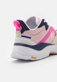 ARKK Copenhagen - VIBRAM UNISEX - Trainers - light pink/white - 5
