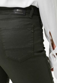 BRAX - STYLE SHAKIRA - Jeans Skinny Fit - clean dark olive - 4