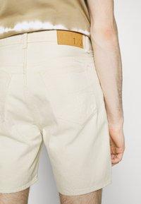 Tiger of Sweden Jeans - JIN - Denim shorts - ecru denim - 4