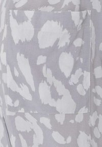 Live Unlimited London - ANIMAL - Blouse - grey - 2