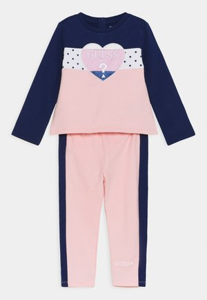 ACTIVE SET - Tracksuit - midnnight pink