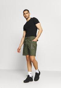 Nike Sportswear - ME SHORT - Shorts - khaki - 1