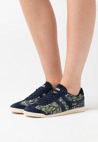 Gola - BULLET LIBERTY - Sneakersy niskie - navy/multicolor - 0