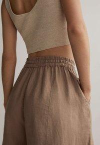 OYSHO - Kalhoty - brown - 3