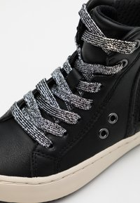 Geox - KALISPERA GIRL - Sneakersy wysokie - black/dark silver - 5