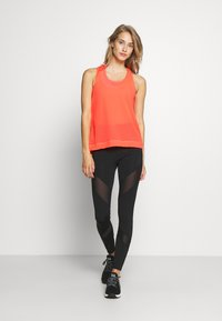 Sweaty Betty - DOUBLE TIME 2 IN 1 WORKOUT VEST - Top - fluro flash pink - 1