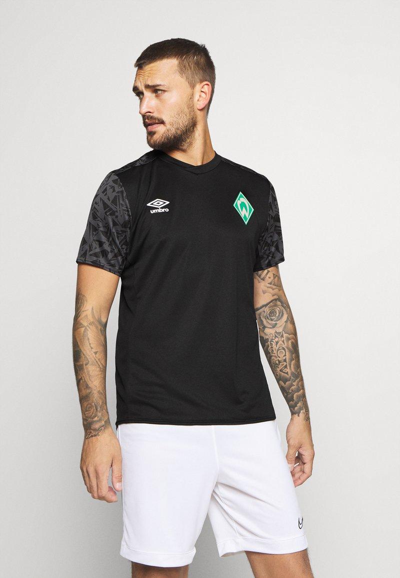Umbro - WERDER BREMEN TRAINING - Club wear - black/carbon/ice green
