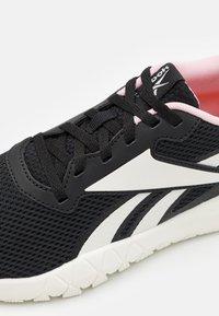 Reebok - FLEXAGON ENERGY TR 3.0 MT - Scarpe da fitness - core black/clear pink - 5