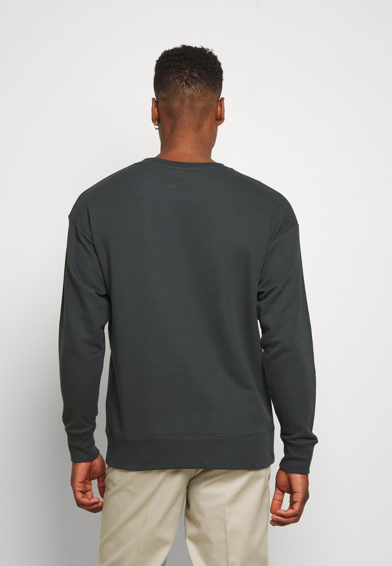 Nike Sportswear FESTIVAL CREW - Sweatshirt - dark smoke grey/volt/dunkelgrau JJLUhw