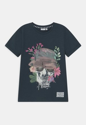 NKMTUNISH - Print T-shirt - dark sapphire
