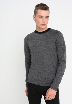 JJEUNION CREW NECK ESSENTIALS - Stickad tröja - dark grey melange